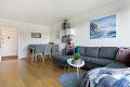 Stue med god plass for sofa og spisebord