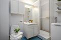 Leilighetens bad/wc er av eldre dato, men det er vedtatt våtromsrehabilitering i regi av borettslaget. Det er planlagt at leiligheten vil få nytt bad i oktober 2020.