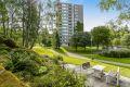 Fine grønntområder rundt leiligheten.