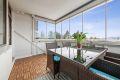 Stor og hyggelig innglasset balkong på ca.9 kvm med gode solforhold.