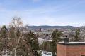 Leiligheten ligger fint til i borettslaget med flott utsikt over Oslo.