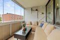 Nordvestvendt innglasset balkong på ca 9 kvm med gode solforhold.