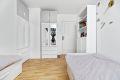 Soverom 2 er også av god størrelse og har plass til seng, garderobeskap og øvrige møblement.