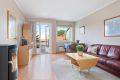 Lys og hyggelig stue med nymalte vegger.