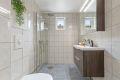 Ny baderomsinnredning og dusjgarnityr
