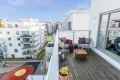 Nordvestvendt terrasse på hele 15 kvm med fint utsyn og meget gode solforhold