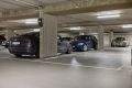 Det medfølger en garasjeplass med ladepunkt i felles oppvarmet garasjeanlegg.