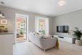 Velkommen til en moderne og meget attraktiv 2-roms leilighet  i høy 1.etg. med sentral beliggenhet på Lambertseter/ Bergkrystallen.
