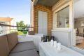 Hyggelig balkong med god plass til utemøbler.