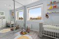 Leilighetens andre soverom er også av god størrelse, og passer perfekt som barnerom! Skyvedørsgarderobe fra 2015/16 med speilfronter og ny innredning fra 2017 følger leiligheten.