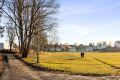 Store friområder og idrettspark er i umiddelbar nærhet fra leiligheten. Gangveien kan benyttes bort til sentrum av Lambertseter. Turen tar få minutter.