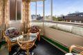 Fra stuen er det utgang til vest-sydvestvendt balkong på ca 7,5 kvm.