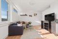 God størrelse på stuen med flere møbleringsmuligheter.