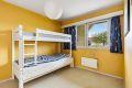 Hovedsoverommet har god plass til dobbeltseng med nattbord
