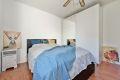 Hovedsoverommet er i god størrelse med god plass til dobbeltseng, nattbord og garderobeskap