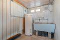 Vaskerommet består av dobbel støpt utslags kum og varmtvannsbereder på 190 L