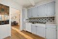 Her har du mulighet til å fjerne veggen mellom kjøkken og stue
