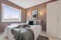 Romslig soverom med god plass til dobbeltseng og nattbord. Plass til stort garderobeskap