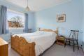 Leiligheten har to store soverom som begge er av god størrelse. God plass til dobbeltseng med tilhørende nattbord i begge rom.