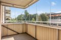 Innglasset balkong på ca. 7 kvm. Balkongen er vest-sydvestvendt