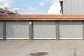 Boligen disponerer en privat garasje i felles rekke rett ved.
