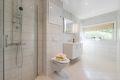 Flislagt bad i med varmekabler og downlights i underetasje