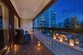 På balkongen har du god plass til både sofa og spisebord om du ønsker.