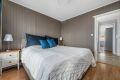 Hovedsoverommet har god plass for stor seng med tilhørende møblement.