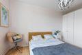 Boligen innehar to gode soverom som kan innredes med både dobbeltseng og garderobeskap uten at romme føles trangt.