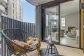 Fra stuen er det askomst til romslig balkong på ca. 6,9 kvm.