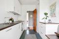 Integrert stekeovn/platetopp/oppvaskmaskin/kjøleskap/fryser. Opplegg vaskemaskin.