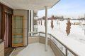 Fra stuen er det utgang til en romslig og hyggelig balkong på 8 kvm.