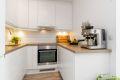 Kjøkken har bra med benke- og skapplass