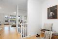 Ekstrabonus med plass til hjemmekontor eller lesekrok ved trappen ned