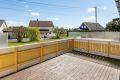 Meget romslig terrasseplatting med utgang til hage