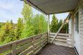 Solrik balkong på ca 6,5 kvm med god plass til utemøbler.