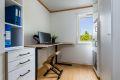 Soverom 2 er litt mindre, men har god plass til seng og nattbord. Kan alternativt benyttes som kontor.