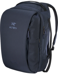 Front facing view of the Arc'teryx Blade 28
