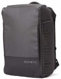 Front facing view of the Nomatic Travel 30L Bag