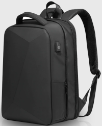 Front facing view of the Kore Klassics Tech Travel Pack