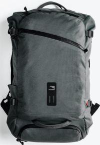 Front facing view of the Lander Traveler Bag 35L