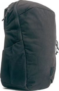 Front facing view of the Evergoods Civic Half Zip 26L