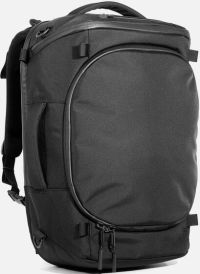 Front facing view of the Aer Capsule Pack Max (40L)