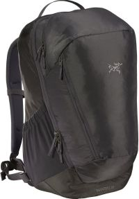 Front facing view of the Arc'Teryx Mantis 32 Backpack