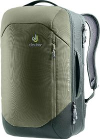 Front facing view of the Deuter Aviant Carry On 28
