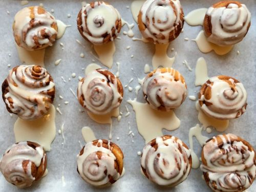 ONLINE CLASS: Cinnamon Rolls (Ages 3 to 18+ Family)