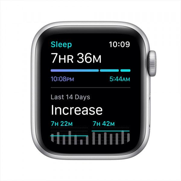 Apple Watch Nike SE GPS 40mm Silver Alum Case Pure Platinum/Black Nike Sport Band (EOL) 4
