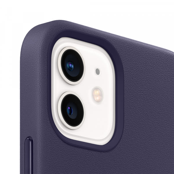 iPhone 12 | 12 Pro Leather Case with MagSafe - Deep Violet 2