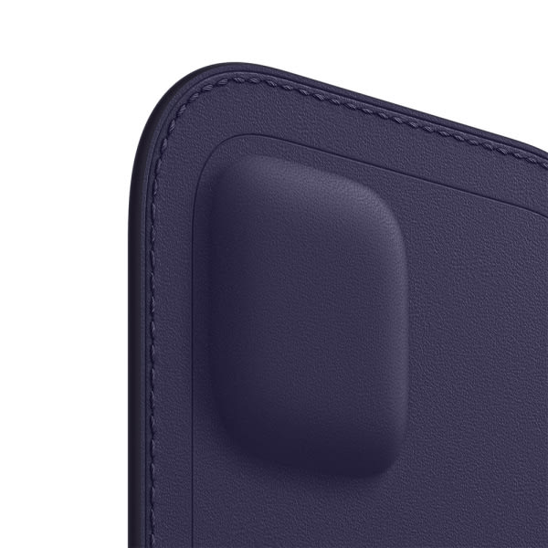 iPhone 12   12 Pro Leather Sleeve with MagSafe - Deep Violet 1