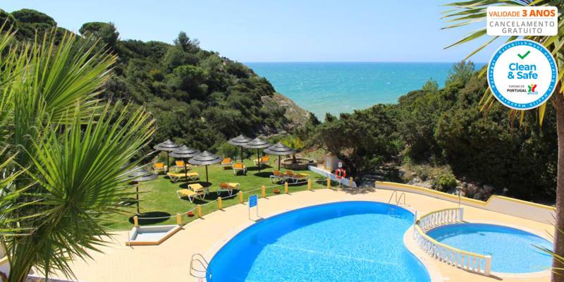 Rocha Brava Village Resort 4* - Praia do Carvoeiro | Estadia em Família em Apartamento com Piscina Exterior